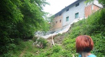 Klizište prijeti kućama u Česmi