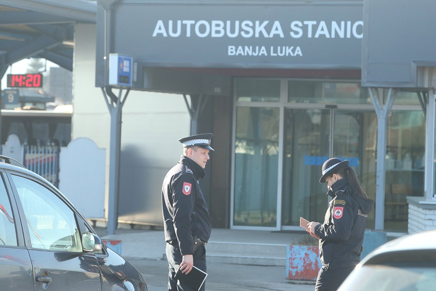 Autobuska-stanica-policija