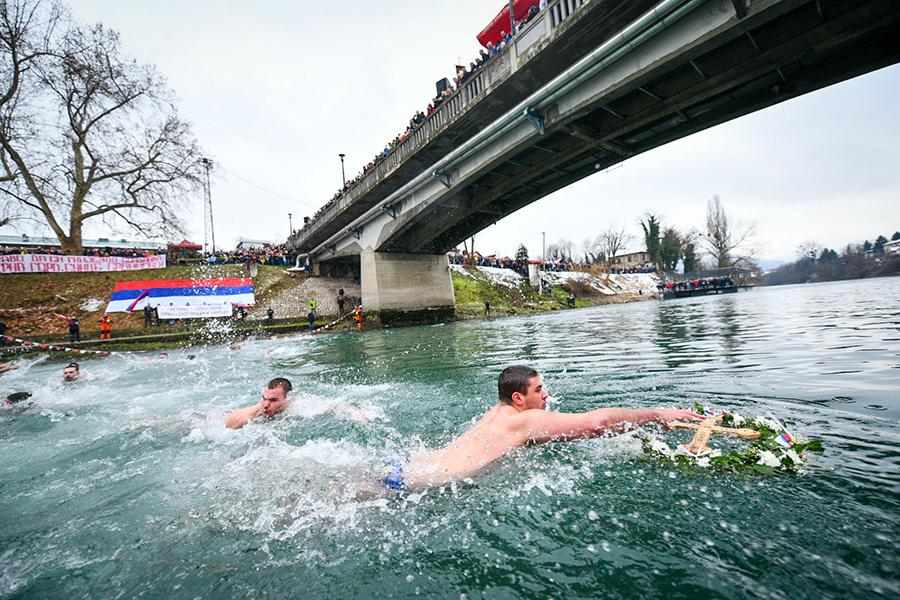 bogojavljenski-krst-plivanje-